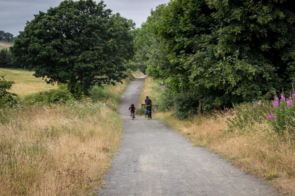 Essa trilha de bike que ficava no caminho de Durham era na verdade uma antiga estrada de ferro desativada que cortava o país de ponta a ponta.